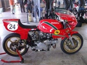 Rojo Ducati !!